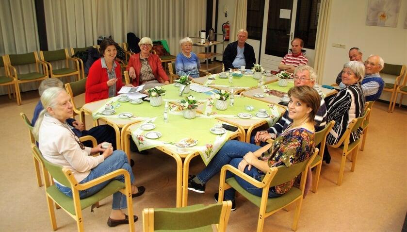 <p>Een gezellige groep kwam bij elkaar in Trompenburg voor ontmoeting en een zinvol gesprek.   </p>