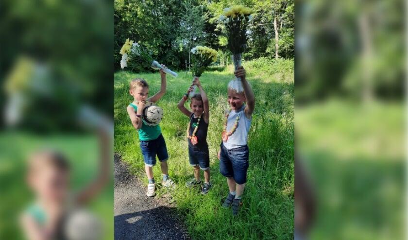 Voor deze jonge deelnemers zit het wandelen erop, alle 3 wisten alle 4 de dagen met succes af te ronden! | foto: PR Velocitas