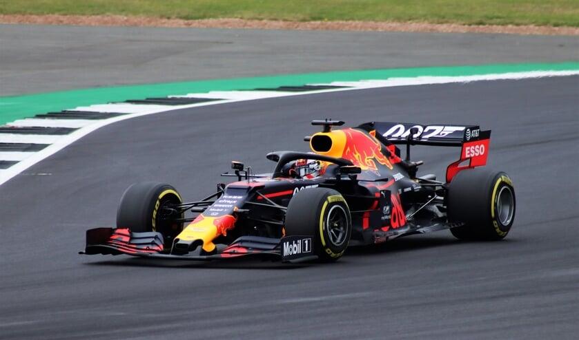 Max Verstappen in actie (foto uit 2019). In september kan hij eindelijk in zijn geboorteland een F1 Grand Prix racen.