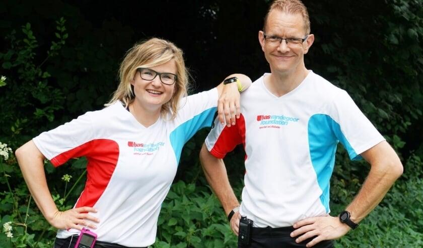 <p>Marco van Stijn en hardloopmaatje Roos Guijt rennen een halve marathon voor het goede doel.   Foto: pr.</p>