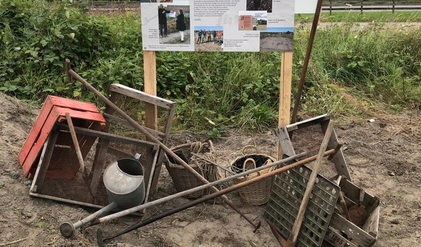 <p>Fotopanelen vertellen de geschiedenis van tuinbouw in de Zanderij. | Foto: Gerard Bol</p>