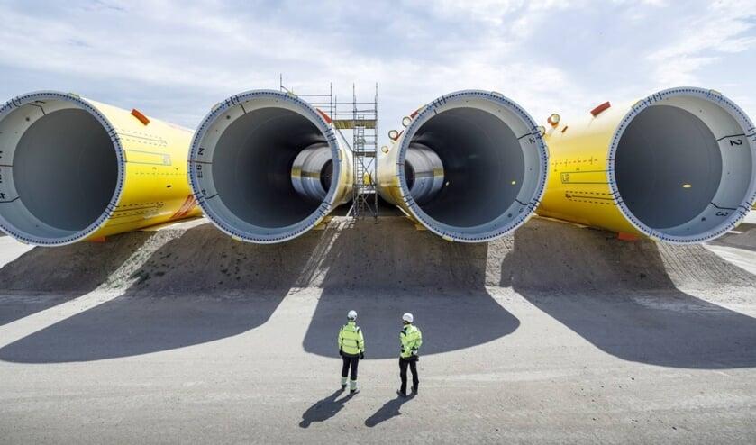 <p>Onderdelen van de nieuwe windmolens voor het nieuwe windpark.&nbsp;</p>