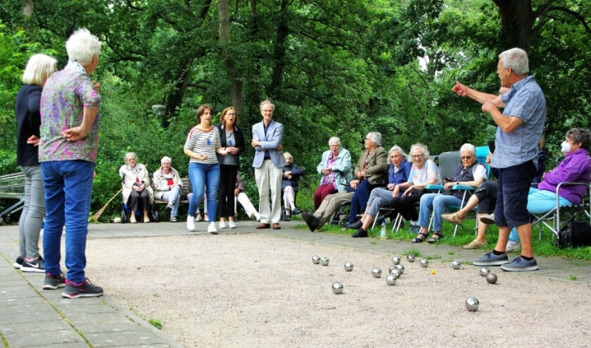 <p>Elke donderdagmiddag zal er gelegenheid zijn om wedstrijdjes jeu de boules te spelen. | Foto Willemien Timmers</p>