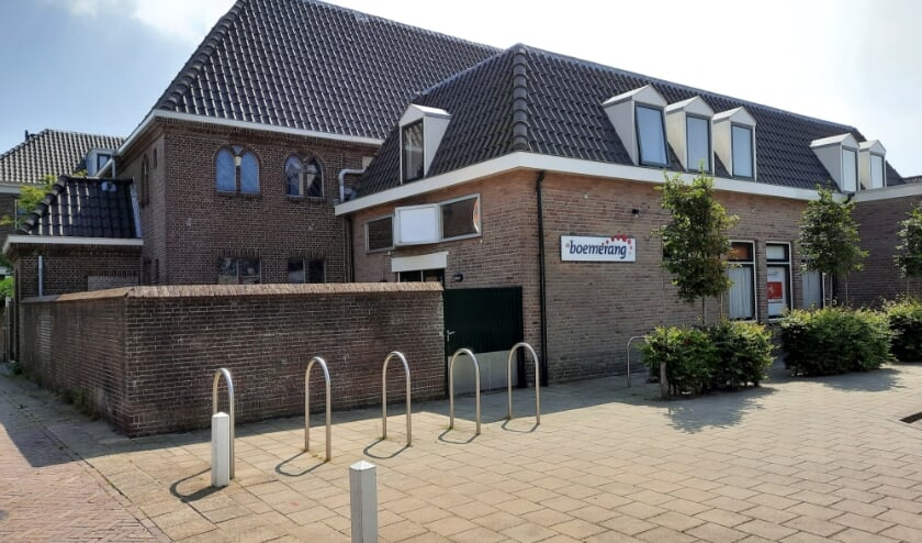 Sociëteit de Boemerang in de Huetingstraat in Katwijk aan den Rijn. | Foto: SKvD
