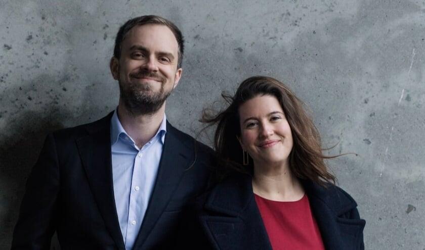 <p>Sopraan Katharine Dain en de Engelse pianist Sam Armstrong.</p>