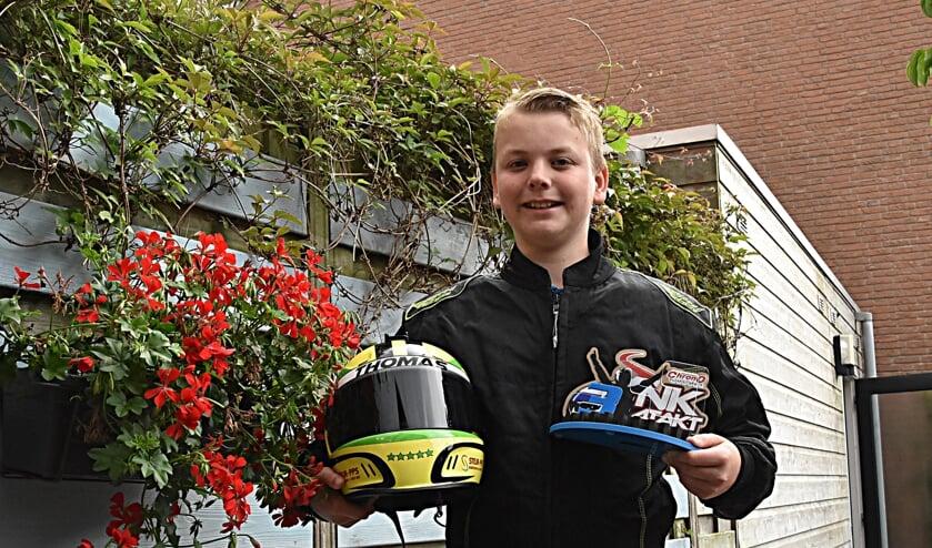 <p>Thomas Aanhaanen met zijn eerste trofee.   Foto: Piet van Kampen</p>
