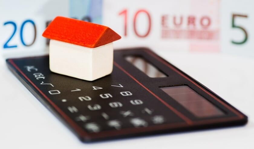 <p>Wel willen verhuizen naar een andere woning, maar wachten omdat de woningmarkt oververhit is. Dat gebeurt steeds vaker.</p>