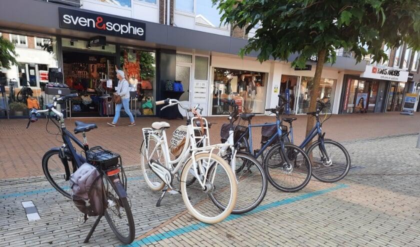 <p>Wel plekken om je fiets te parkeren in de Princestraat, maar geen fietsnietjes. | Foto: SKvD</p>