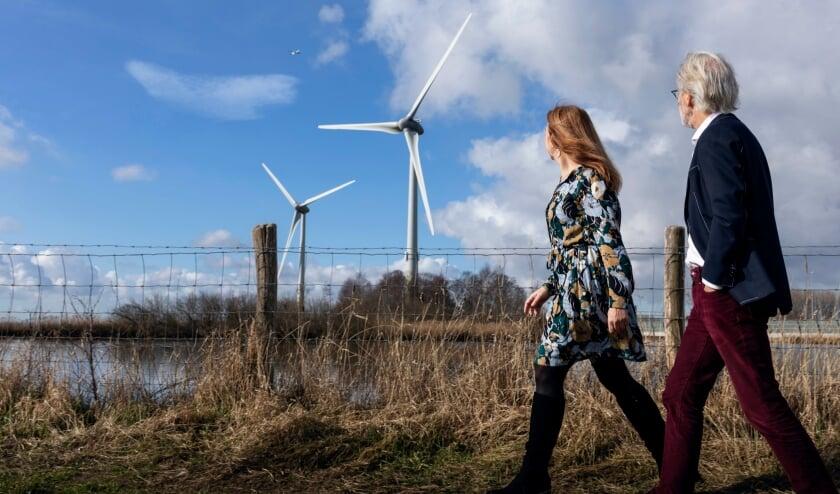 Windmolens De Watergeuzen staan langs de A4 bij afrit Zoeterwoude. | Foto: Winand Stut Fotografie