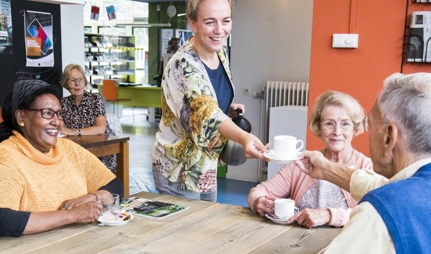 Samen koffie drinken, een goede manier om nieuwe contacten te leggen of oude contacten aan te halen.