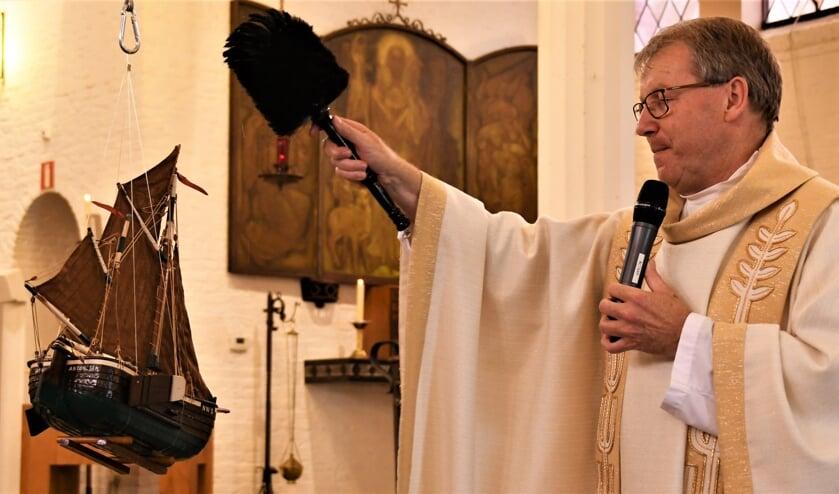 <p>Pastoor Straathof was voorganger tijdens de jubileummis.</p>