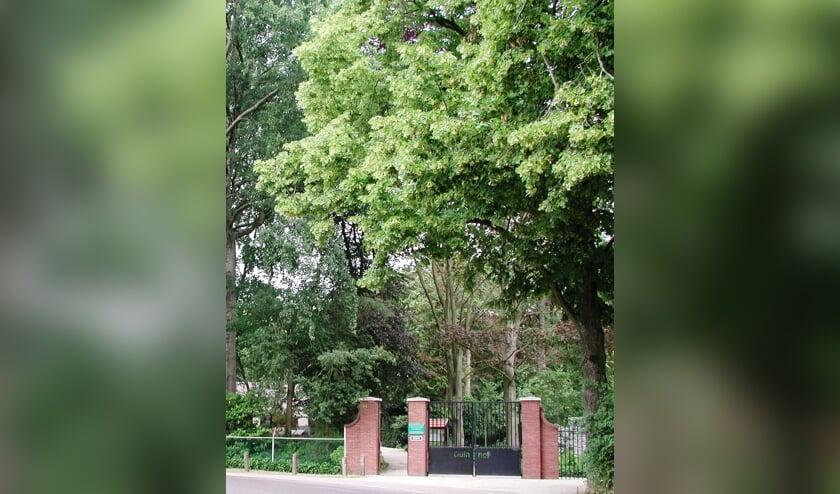 <p>Entree van begraafplaats Duinhof.&nbsp;</p>