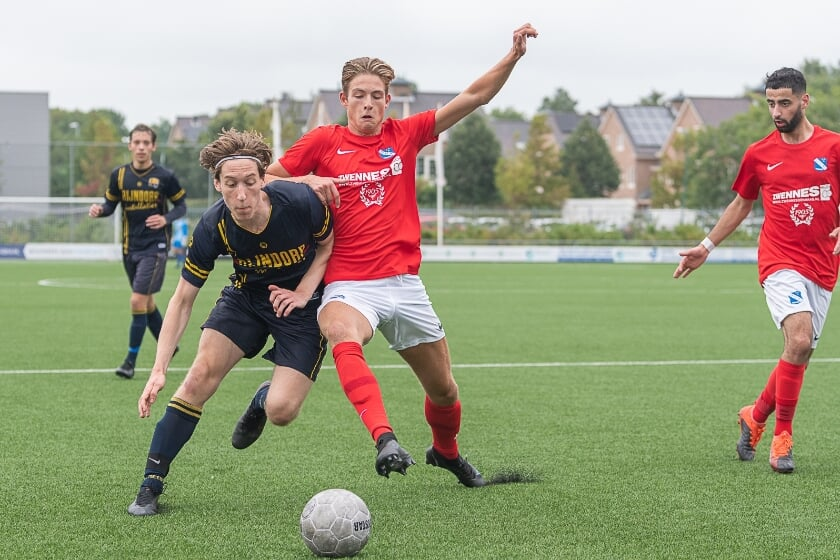 <p>Lucas Tijl speelde weer een goede wedstrijd voor FCO. | Foto Paul Lichtenbeld</p>