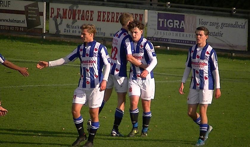 De 3 doelpuntenmakers (vlnr): Robin de Boer, Thymo de Vries en Tim Strandstra