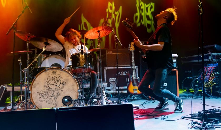 NLD - Goes. Optreden van Charades in Podium 't Beest met Gerben Kieviet (zang/gitaar), Frank Mastenbroek (bas) en Rick Kouwenberg (drums). Foto: Studiomamma/Marije van den Oever.