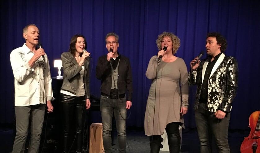 foto NEXT LEVEL vocals (v.l.n.r.: Carel van Leeuwen, Christel van Bockxmeer, Erwin de Ruijter, Alinda Talsma en Dennis Dronkers).