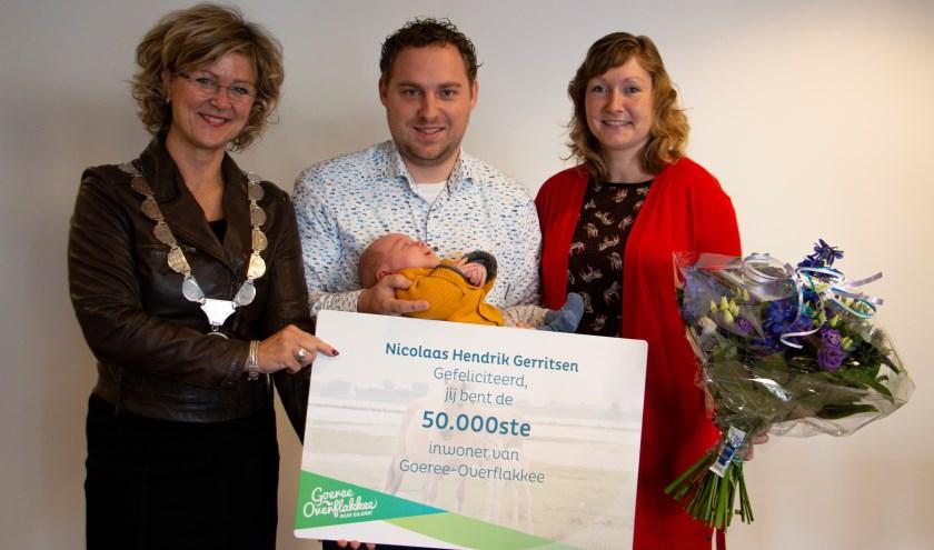 Familie Gerritsen, met burgemeester Ada Grootenboer-Dubbelman