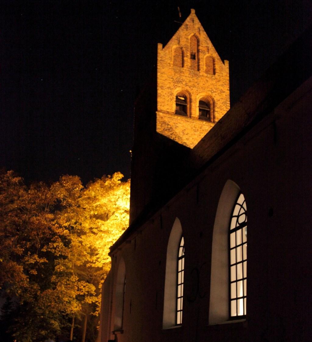 Verlichte Dorpskerk Huizum  © Rondom Leeuwarden
