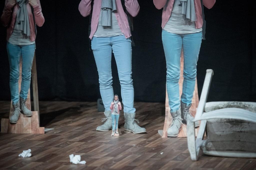 een voorstelling die schijt heeft aan zijn eigen vage titel, jetse batelaan  © Rondom Leeuwarden