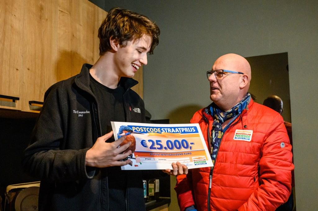 Max uit Leeuwarden wint PostcodeStraatprijs van 25.000 euro Roy Beusker Fotografie © Rondom Leeuwarden