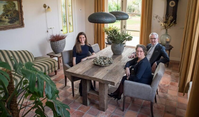 v.l.n.r. op de foto het team van Livastgo: Noa Vroegindeweij, Dineke en Ton van der Linden