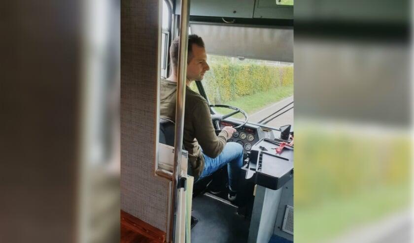 Peter van der Kraan achter het stuur