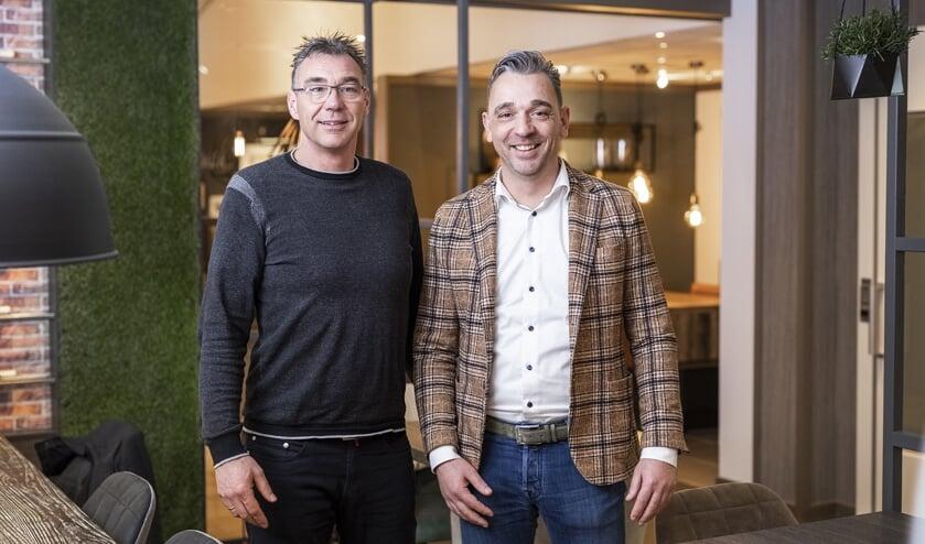 <p>Eric en Hans Veenstra van KBC Keukens & Badkamers</p>