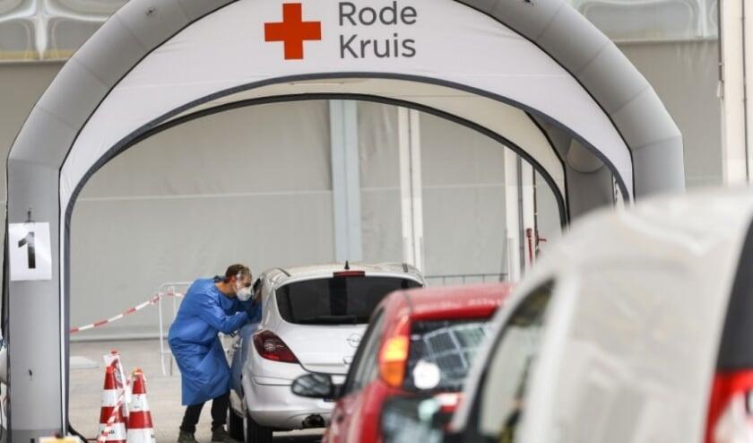 Rode Kruis bouwt o.a. teststraten op.