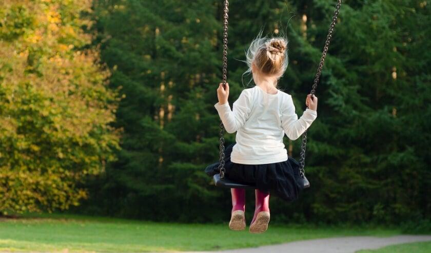 <p>Buitenspelen is belangrijk voor kinderen, zeker nu de wereld op z&#39;n kop staat. Jij kunt daar een steentje aan bijdragen!</p>