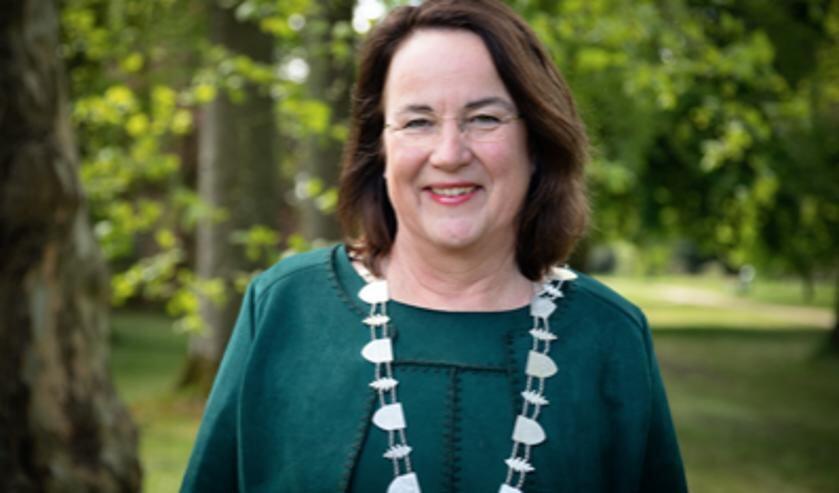 Burgemeester Ellen van Selm van de gemeente Opsterland.