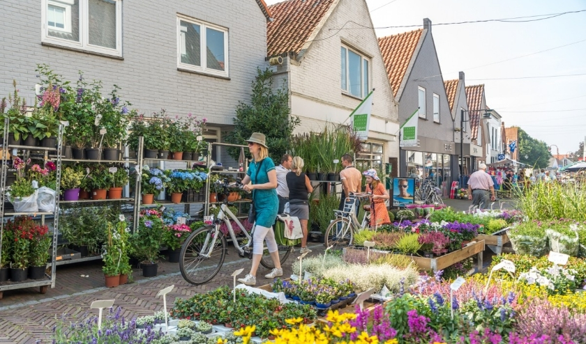 De weekmarkt in Ouddorp