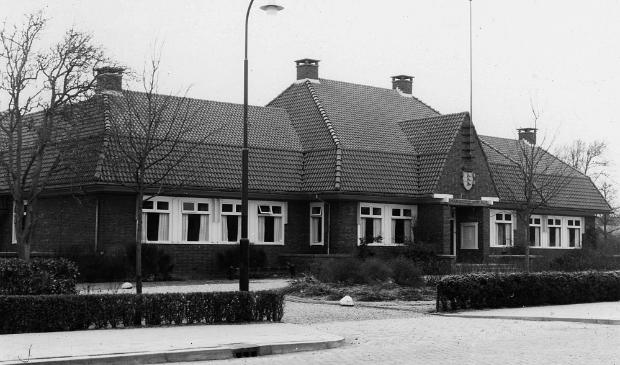 Gemeentehuis in St. Annaparochie, voormalige gemeente het Bildt (foto Bildts Aigene) Foto:  © Rondom Heerenveen