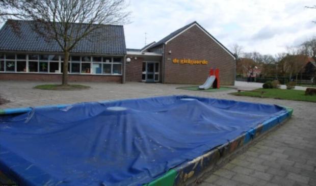 Dit is één van de Friese basisscholen die maandag 15 februari gesloten is vanwege de verwachte gladheid op de wegen.