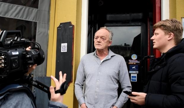 Bob Schepers aan het repeteren met eigenaar van de Prins, Izak Rusticus.