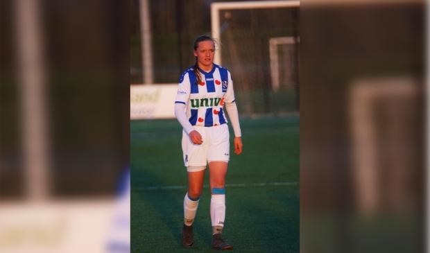 <p>Jet van Beijeren in actie voor sc Heerenveen.</p>
