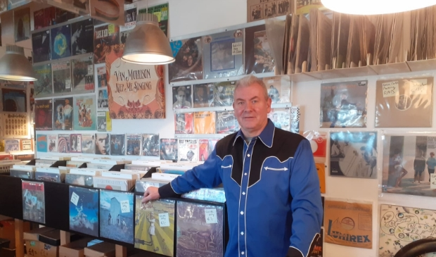 Jan in zijn winkel Flakkee Records