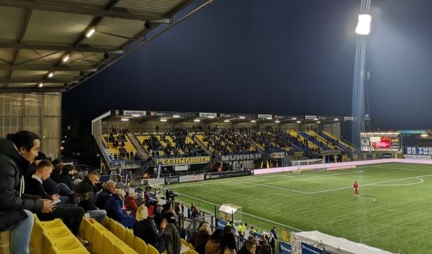 <p>Eindelijk weer eens publiek in het stadion van Cambuur, bij het duel tussen koploper Cambuur en de nummer twee De Graafschap.</p>