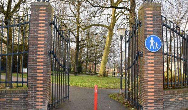 <p>Eén van de ingangen van de Prinsentuin, waar vanaf volgende week de hoeveelheid publiek gereguleerd zal worden.</p>
