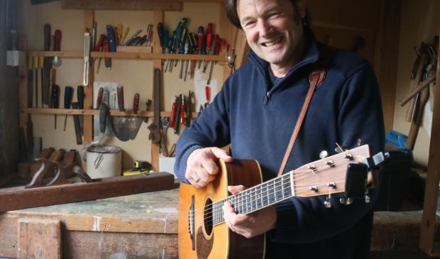 <p>De Friese troubadour Piter Wilkens</p>