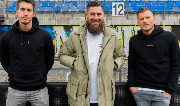Assistent-trainers Martijn Barto, Pascal Bosschaart en Peter van der Vlag blijven langer aan de club verbonden.