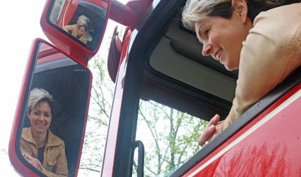 Vrouwelijke trucker Akkelien Edes-Hoogenberg.