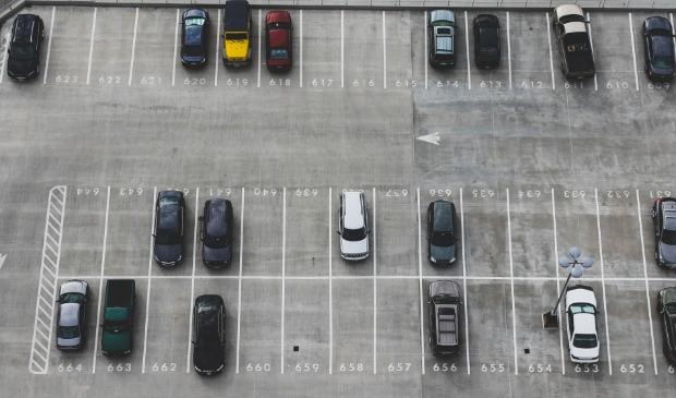 <p>Het parkeervignet moet een oplossing zijn voor de parkeerdrukte in het hoogseizoen</p>