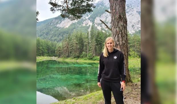 Beitske was in Oostenrijk veel aan het hiken om zo snel mogelijk zes kilo af te vallen.