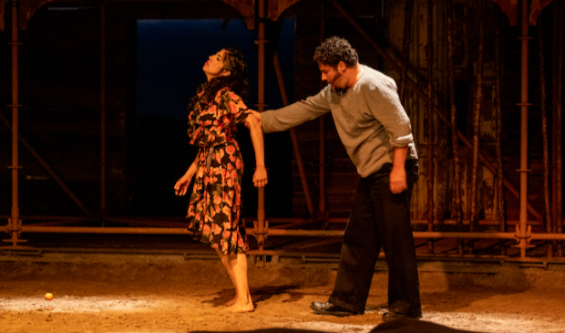 <p>Don Jos&eacute; en Carmen vol persoonlijke emotie, versterkt door het natuurgeweld dat door het KNMI als Code Geel is bestempeld.</p>
