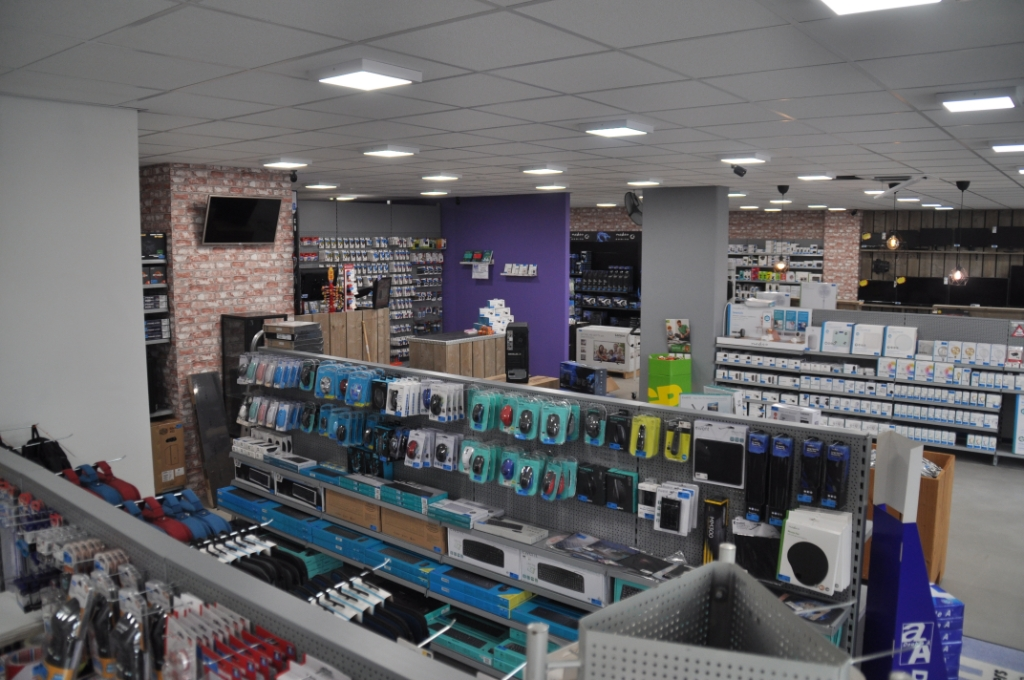 De nieuwe winkel heeft een stuk meer ruimte.  Foto: Ronald Jousma © Rondom De Stellingwerven