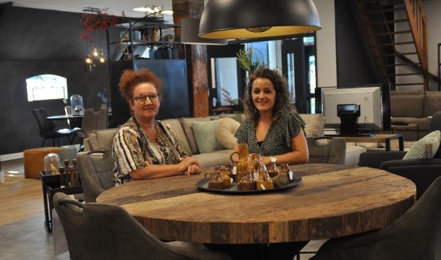 <p>Bij Colors at Home Kars in Stiens koop je nu ook prachtige meubels.</p>