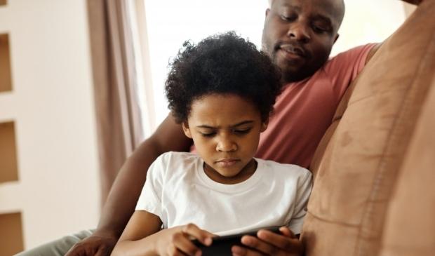 <p>Ouders niet op &eacute;&eacute;n lijn bij digitaal mediagebruik kinderen</p>