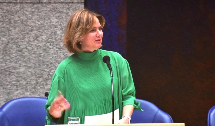 Minister Van Nieuwenhuizen krijgt op 24 juni het einddocument overhandigd.
