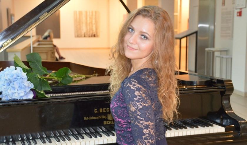 Liza Terentjeva uit Letland is pianiste, componiste en concertmeester.