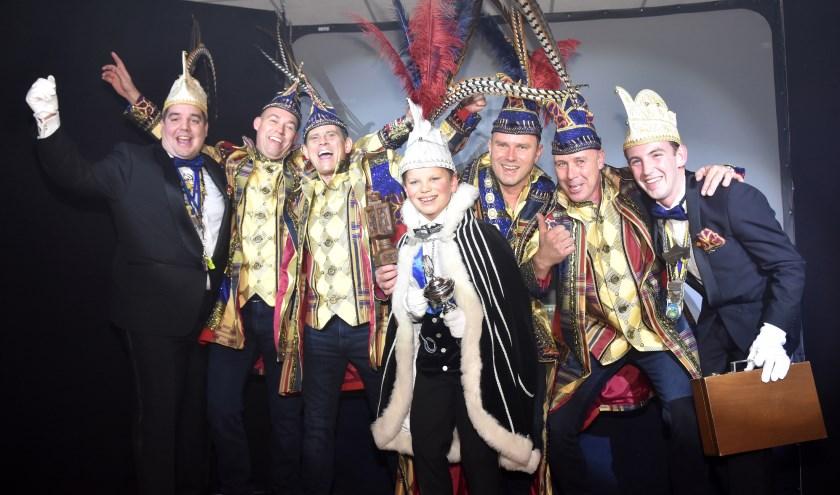 Tijdens een feestelijke avond werden afgelopen zaterdag de prins en jeugdprins bekendgemaakt. Foto: Marijke Vermeulen